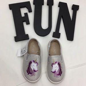 🦄The Children's Place Unicorn Slip ons Sz 6